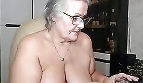 BBW Super Swinger with Great Tits Fingering On Cam